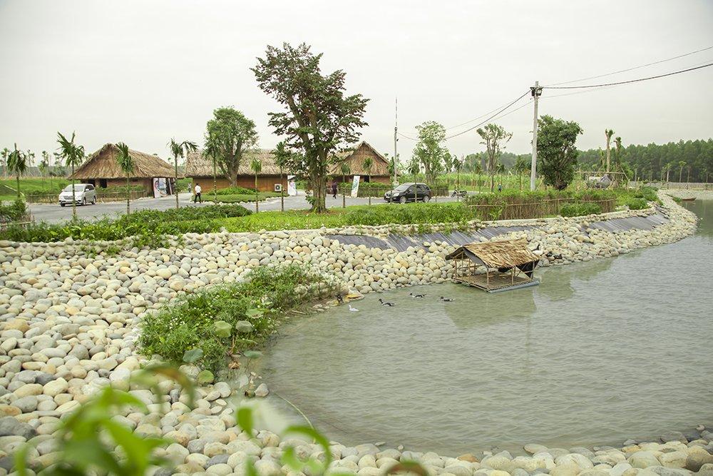 Hồ nước ngọt tại Sala Garden