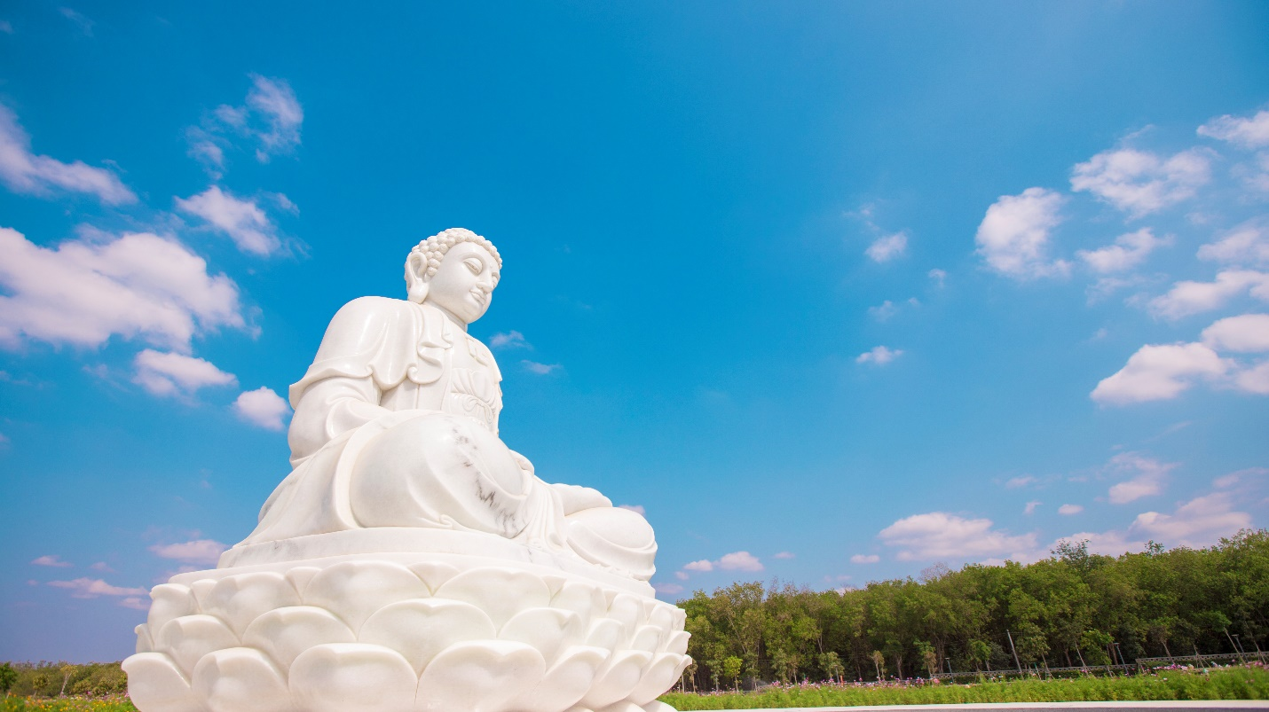 Tượng Phật tại dự án